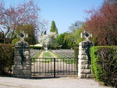 French War Cemetery Senlis