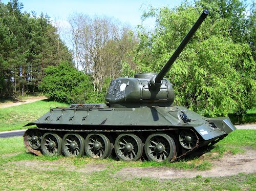 T-34/85 Tank Golce