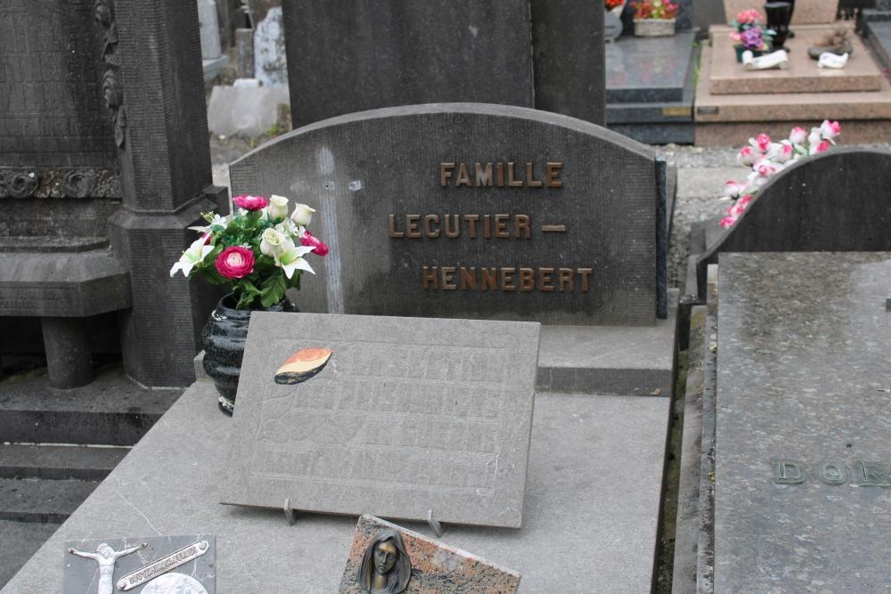 Veteran War Graves Rumes