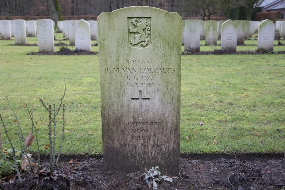 Belgisch Oorlogsgraf Reichswald Forest War Cemetery