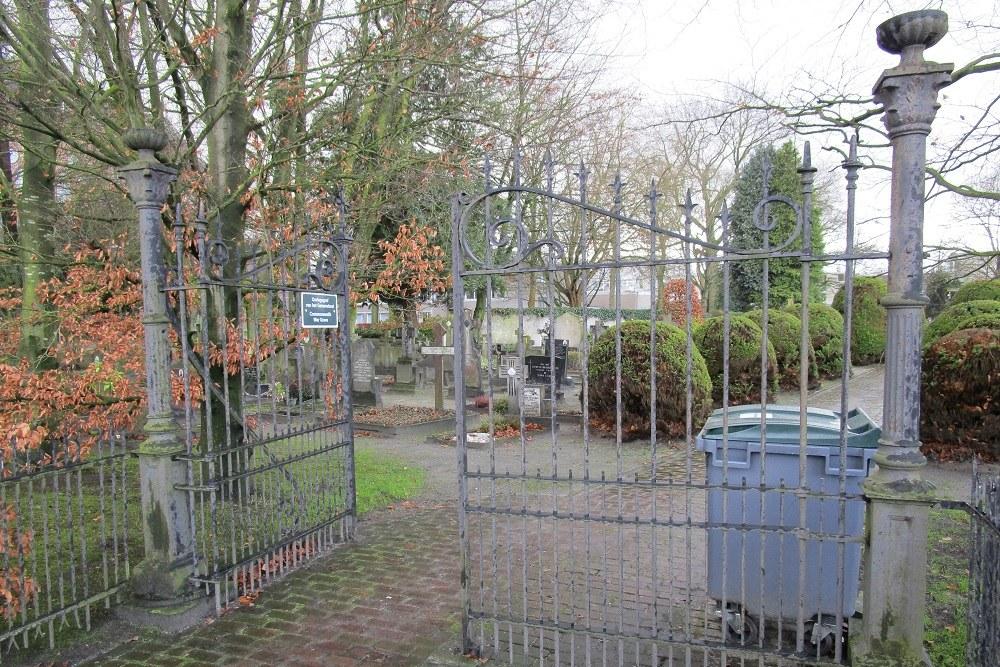 Oorlogsgraf van het Gemenebest Rooms Katholieke Begraafplaats Ulvenhout