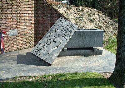 Wederopstanding is Bevrijding Memorial
