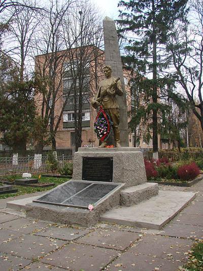 Sovjet Oorlogsbegraafplaats Fastiv