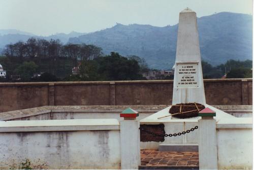 Monument Omgekomen Franse Soldaten Dien Bien Phu