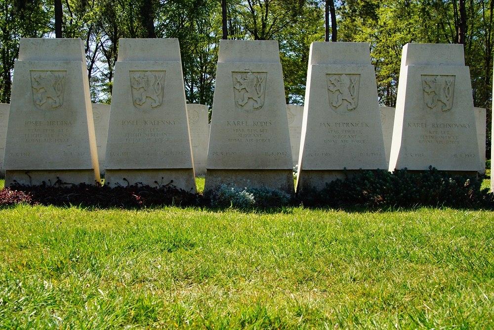 Czechoslovak War Graves Commonwealth Cemetery Bergen op Zoom