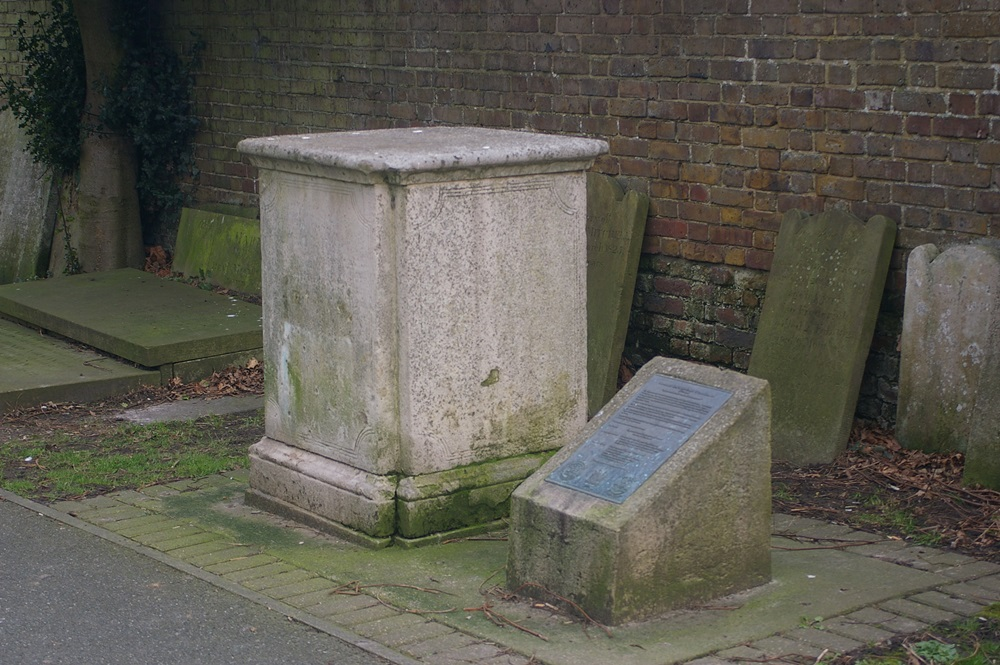 Grafmonument van Captain Edward Thornborough Parker