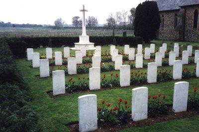 Oorlogsgraven van het Gemenebest Saint John Churchyard