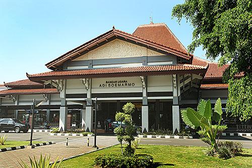 Internationale Luchthaven Adi Sumarmo