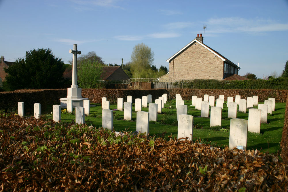 Commonwealth War Graves Saint Catherine Churchyard