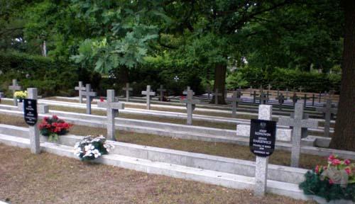Poolse Oorlogsgraven Aleksandrów (Wawer)