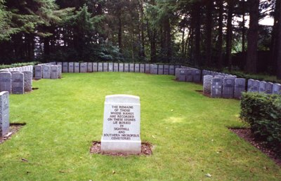 Commonwealth War Graves Eastwood Cemetery