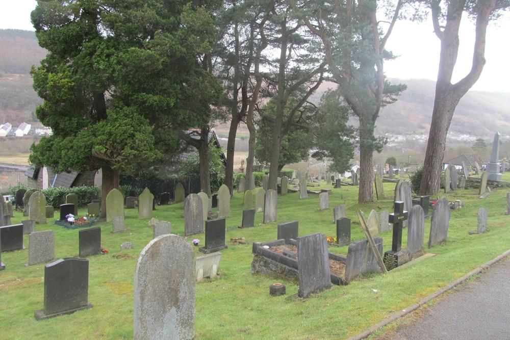 Commonwealth War Graves Aberfan Bryntaf Cemetery
