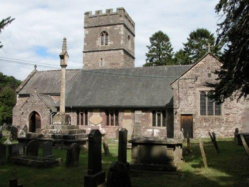 Commonwealth War Graves St. Teilo Churchyard