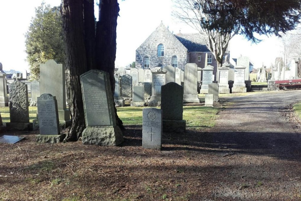Commonwealth War Graves Peterculter Churchyard