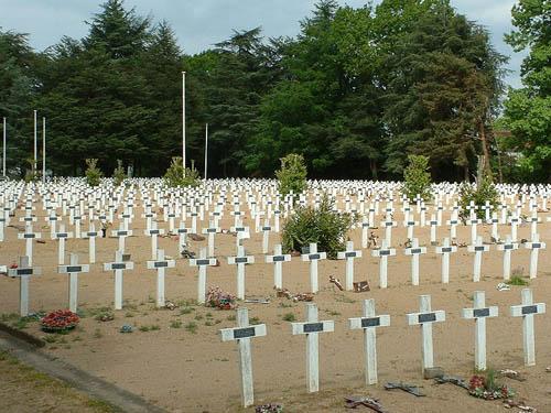 Franse Oorlogsbegraafplaats La Chauvinière
