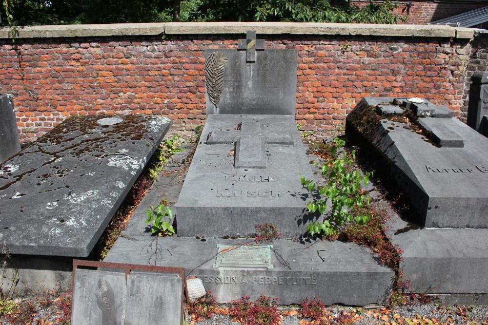 Veteran War Graves Old Cemetery Embourg
