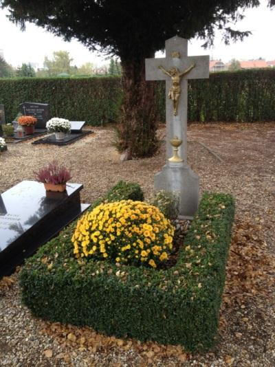 Memorial Grave 'Jan' Johannes Jozef Hendrix