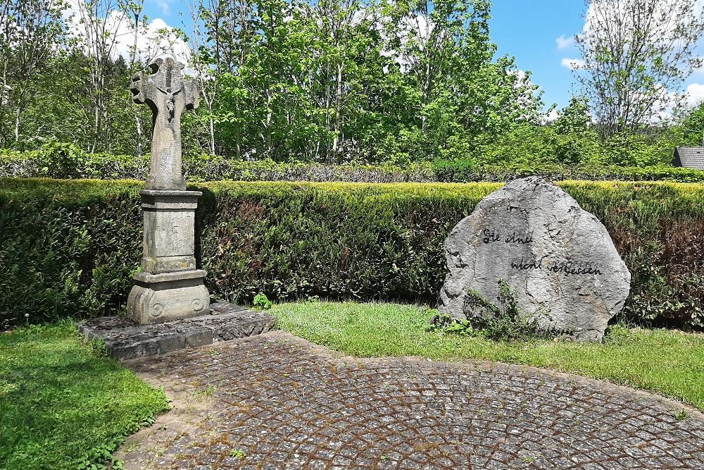Oorlogsmonument Begraafplaats Sötenich