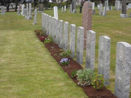Commonwealth War Graves Sandwick Cemetery