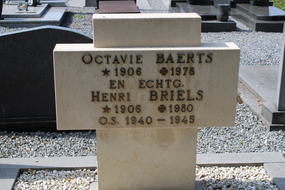 Veteran War Graves Berbroek