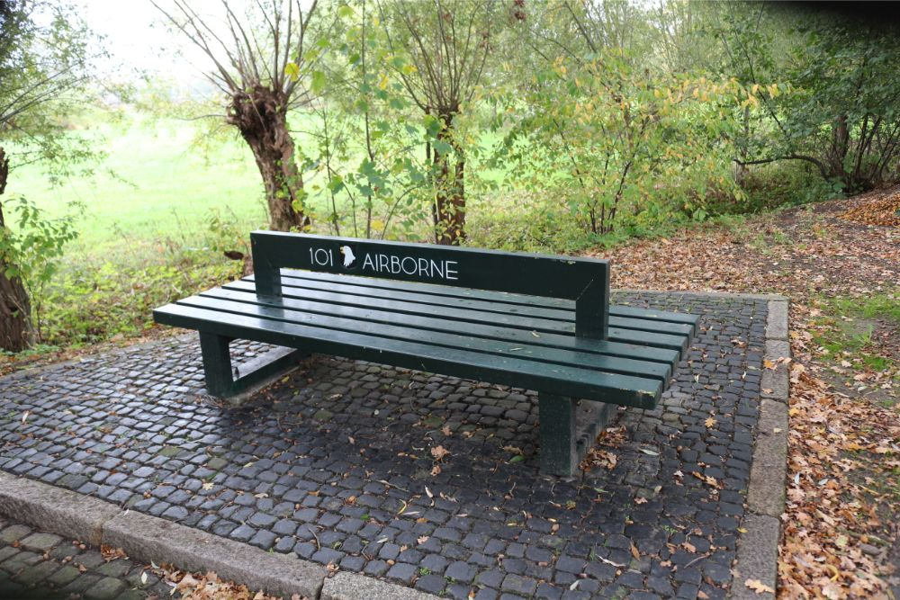 Bench in Memory 101st Airborne Division Heeswijk Dinther