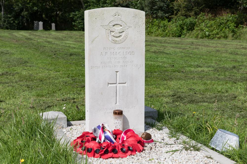 Commonwealth War Grave General Cemetery Zoutelande