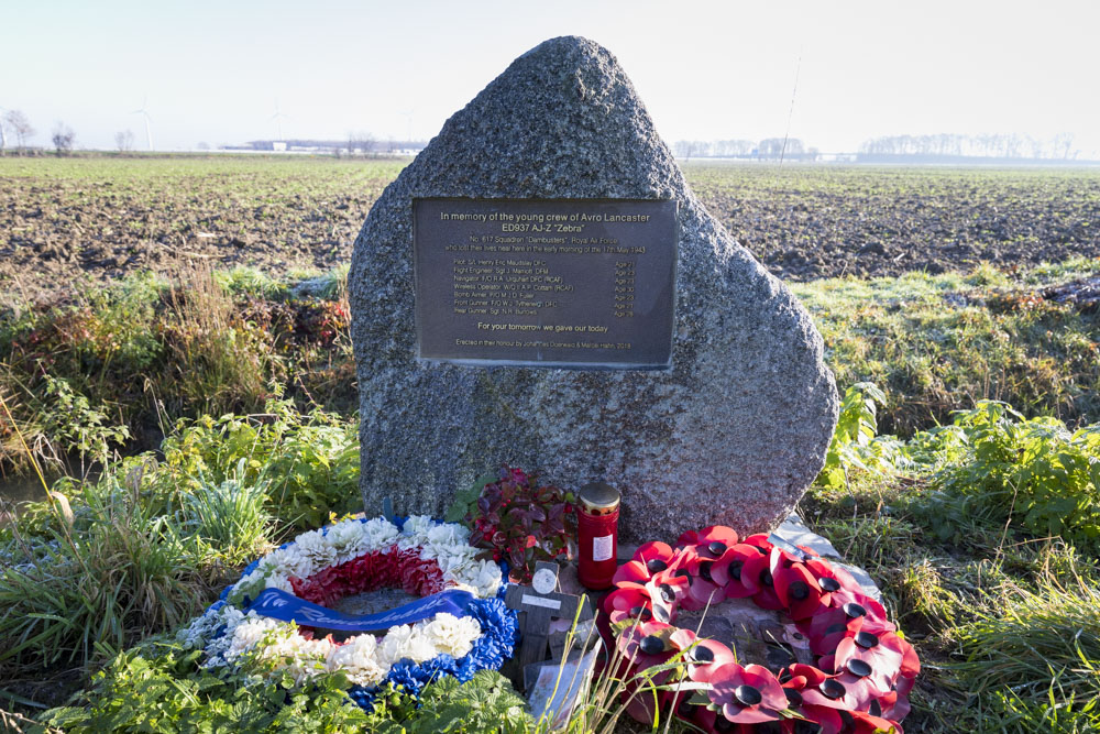 Monument Lancaster ED 937 (Dambuster)