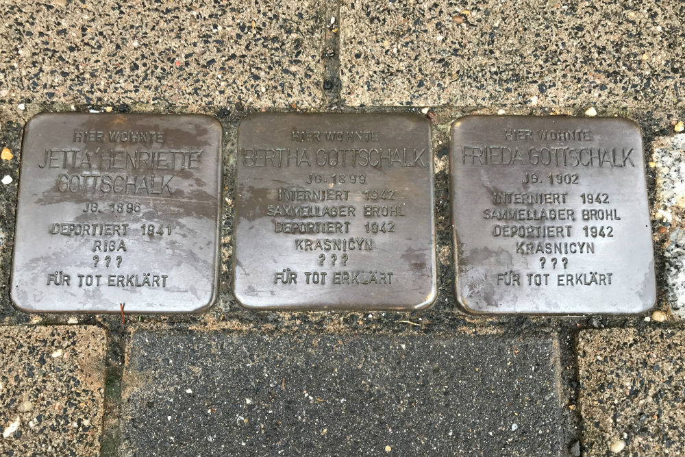 Stumbling Stones Kreuzstraße 89