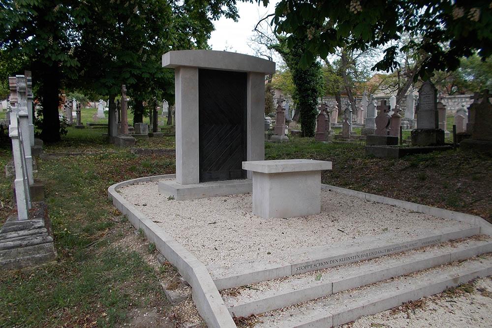Memorial Ethnic Germans Budaörs