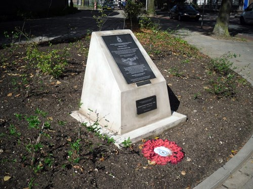 Monument Ivan William Cain