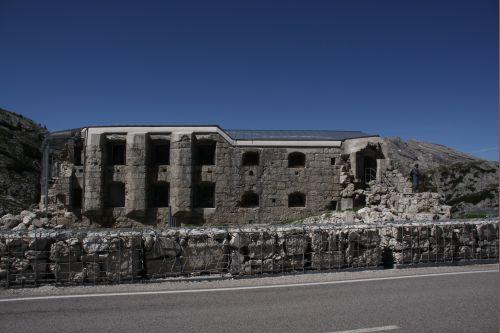 Fort & museum Tre Sassi