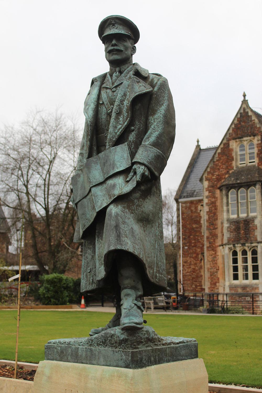 Monument Earl Haig Clifton College