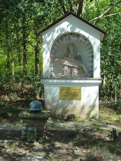 Memorial Chapel (Madonna) Wolfgang Sandmann