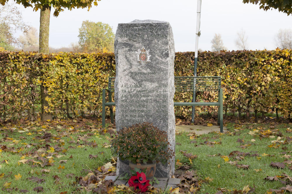 Monument voor de Canadese Queen's own Rifles (QOR)