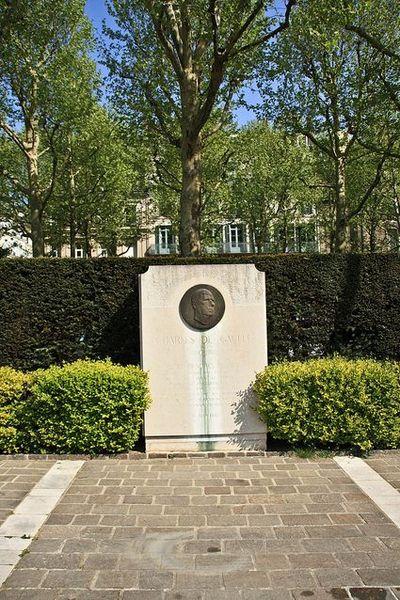 Monument Charles de Gaulle Rouen