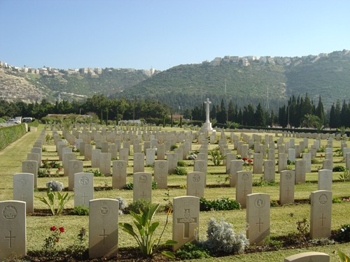 Commonwealth War Cemetery Khayat Beach