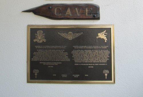 Plaquette Cave Bande