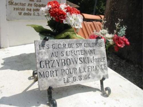 Polish War Grave Sainte-Colombe-de-Villeneuve