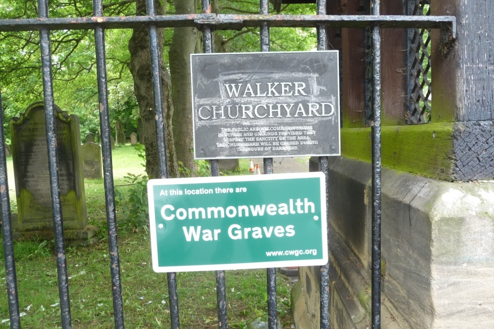 Commonwealth War Graves Christ Church Churchyard