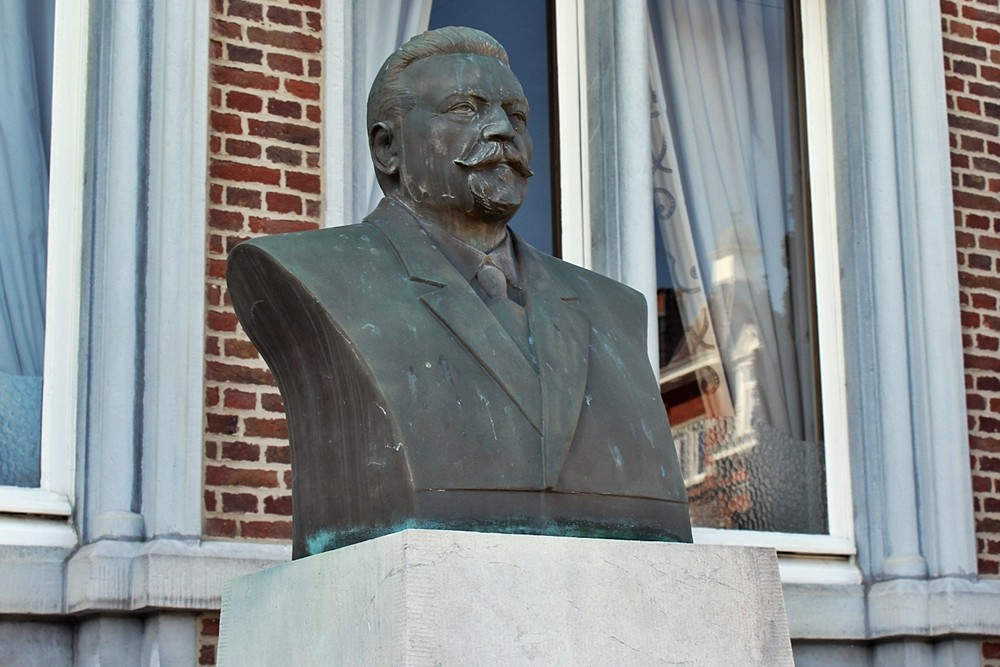 Monument Dokter Jules Camus, Andenne