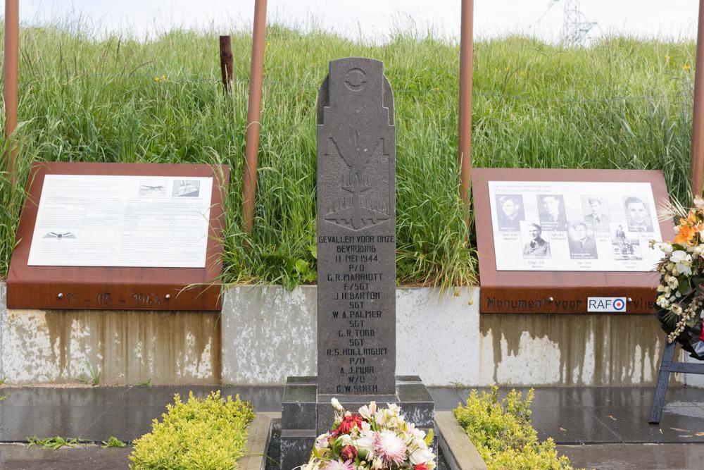 Monument Lancaster JB409