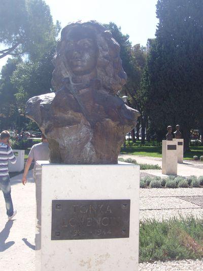 Buste Tonka Lorencin