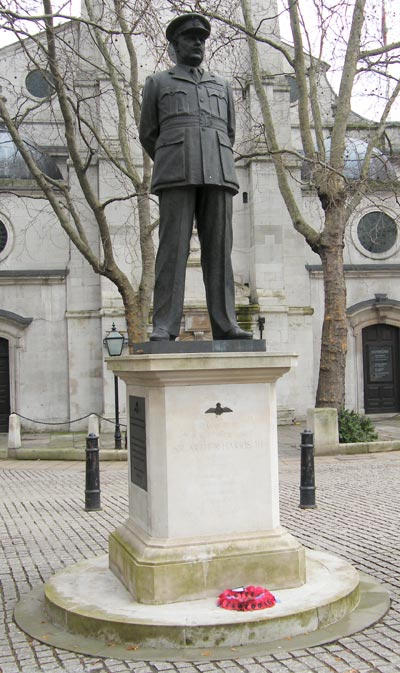 Statue Sir Arthur Harris
