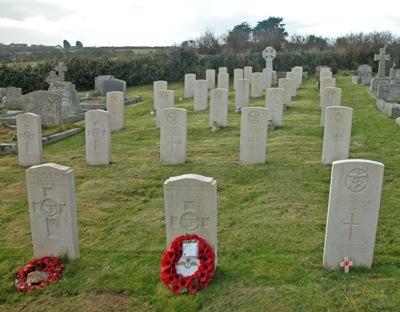 Commonwealth War Graves St. Merryn Churchyard