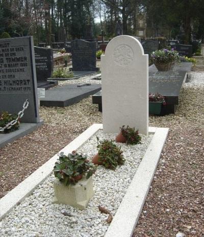 Nederlandse Oorlogsgraven Rooms Katholieke Begraafplaats Soesterberg