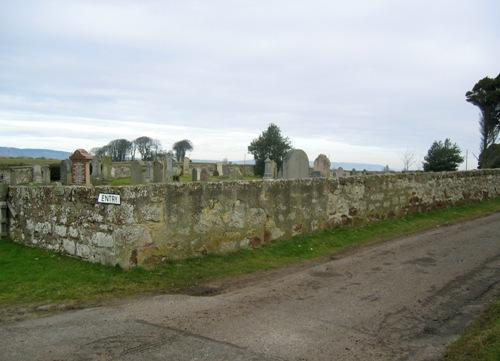 Commonwealth War Graves Ardersier Churchyard