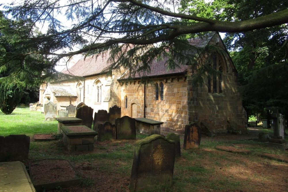 Oorlogsgraven van het Gemenebest St. Cuthbert Churchyard