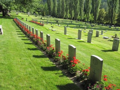 Commonwealth War Graves Nelson Memorial Park