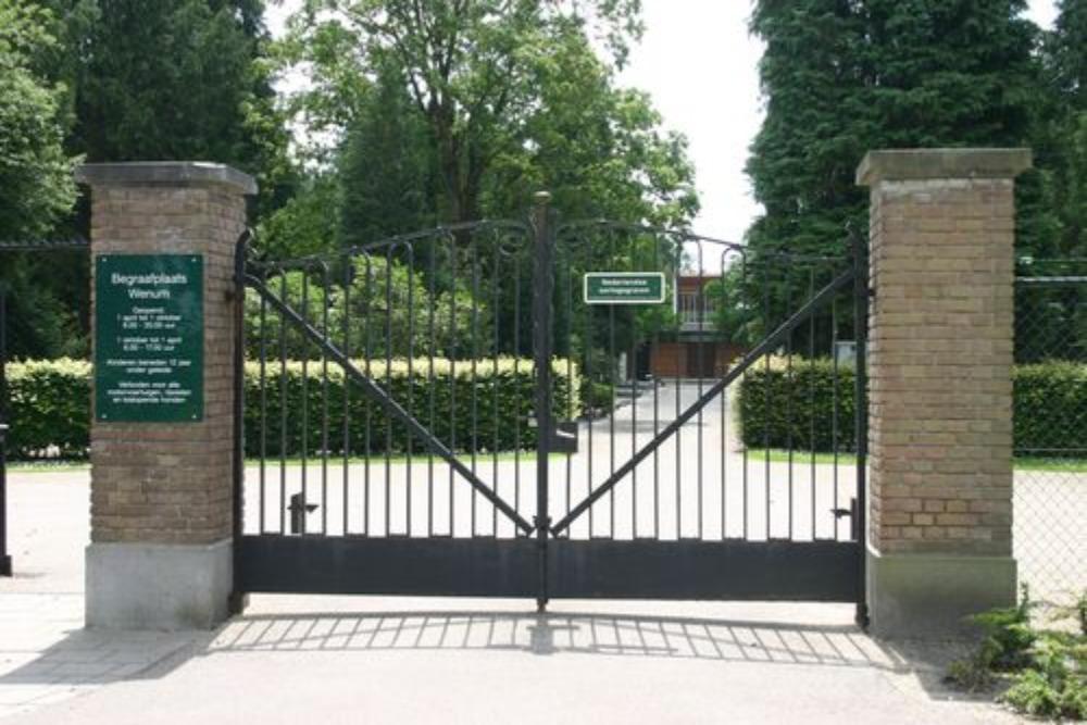 Dutch War Graves Wenum