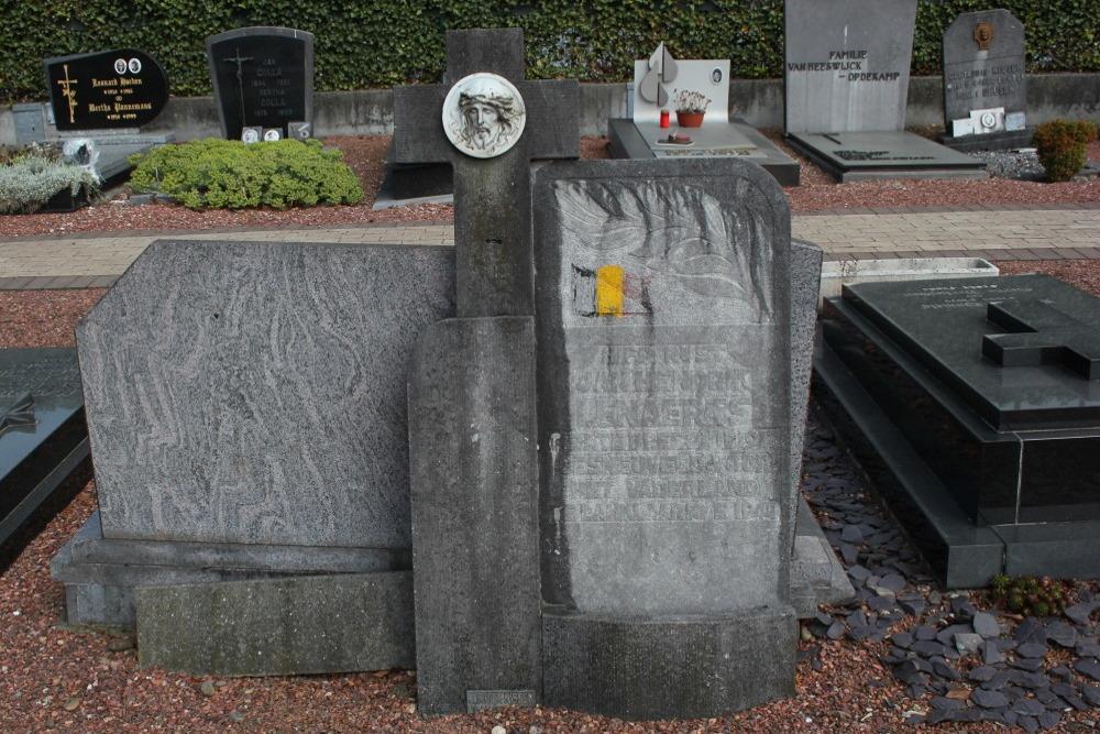 Belgisch Oorlogsgraf Oude Begraafplaats Lanklaar